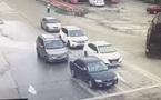 Container mất lái, đè bẹp 3 chiếc xe con đang đứng chờ đèn tín hiệu