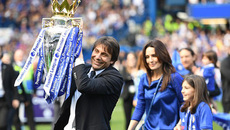 Gạt lùm xùm, Conte ký hợp đồng mới với Chelsea