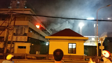 Cháy ở bệnh viện Bạch Mai trong đêm