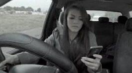 Cái chết bất ngờ đến từ thói quen dùng điện thoại khi ra đường