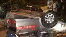 Hà Nội: Taxi ngửa bụng lên trời sau khi đâm chết người