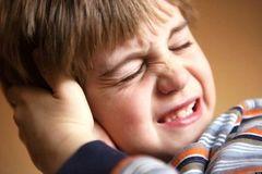 Bệnh viêm tai giữa có gây nguy hiểm không?