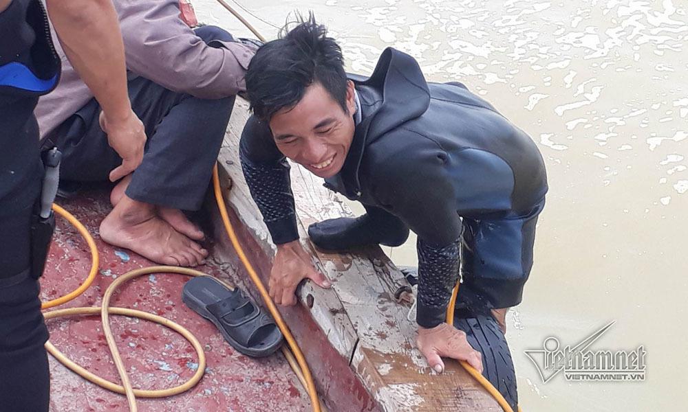 2 ngày thợ lặn dưới đáy biển, 3 thuyền viên bặt vô âm tín