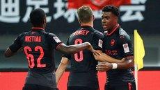 Bayern thua tức tưởi Arsenal trên chấm phạt đền