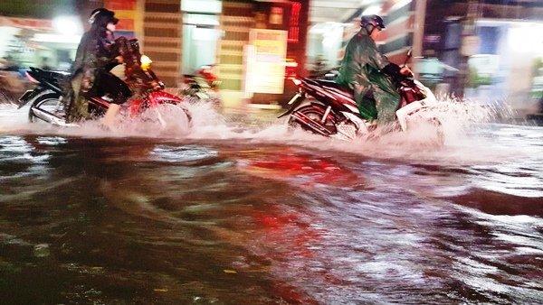 Dự báo thời tiết 20/7: Hết Hà Nội đến Sài Gòn lo ngập