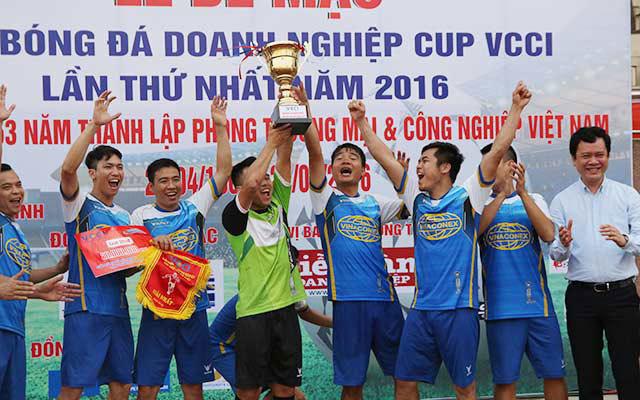 Cựu tuyển thủ QG dự giải phủi hàng đầu Hà Nội