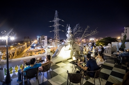 Đi đâu chụp ảnh check-in phố đêm Hà Nội?