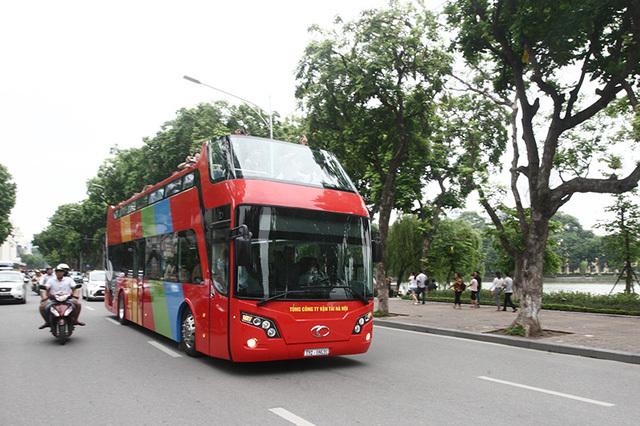 Bộ Giao thông vận tải yêu cầu tạm dừng thí điểm xe buýt 2 tầng