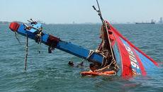 Tàu cá Bình Thuận chìm, một thuyền viên mất tích