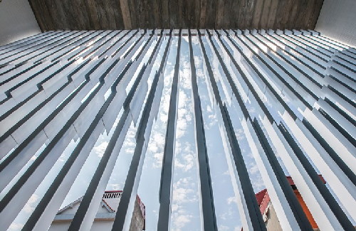 Báo ngoại mổ xẻ nhà 3 tầng độc đáo ở Tây Hồ