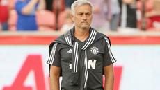 """Mourinho """"sôi tiết"""" vì Perisic, Man City cướp hàng Chelsea"""