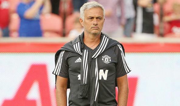 Mourinho 'sôi tiết' vì Perisic, Man City cướp hàng Chelsea