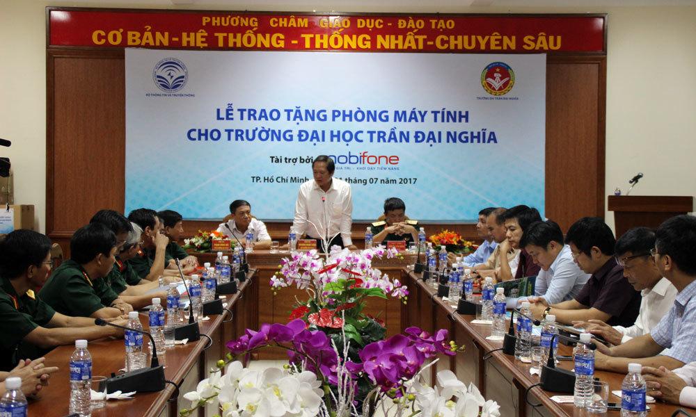 Bộ trưởng Bộ TT&TT: Không gian mạng là cuộc chiến cam go, phức tạp