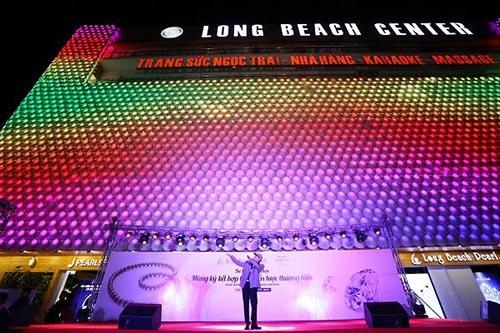 Sơn Tùng M-TP khuấy động sự kiện lớn của Long Beach Pearl