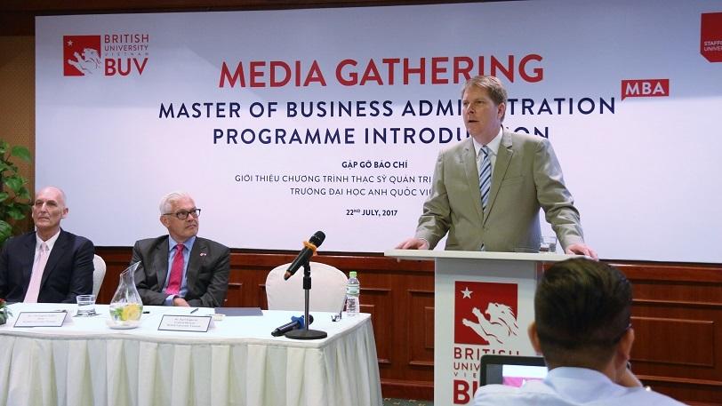 Cơ hội có bằng Thạc sĩ Quản trị Kinh doanh của Anh quốc tại Việt Nam