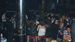 Đột kích vũ trường ở Sài Gòn, gần 100 dân chơi lắc điên cuồng
