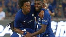Hàng công bùng nổ, Chelsea vùi dập Arsenal