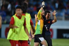 """Video màn """"đấu súng"""" đưa U15 Việt Nam lên đỉnh Đông Nam Á"""