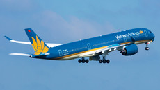 Hàng loạt chuyến bay bị hủy, chậm chuyến do bão số 3