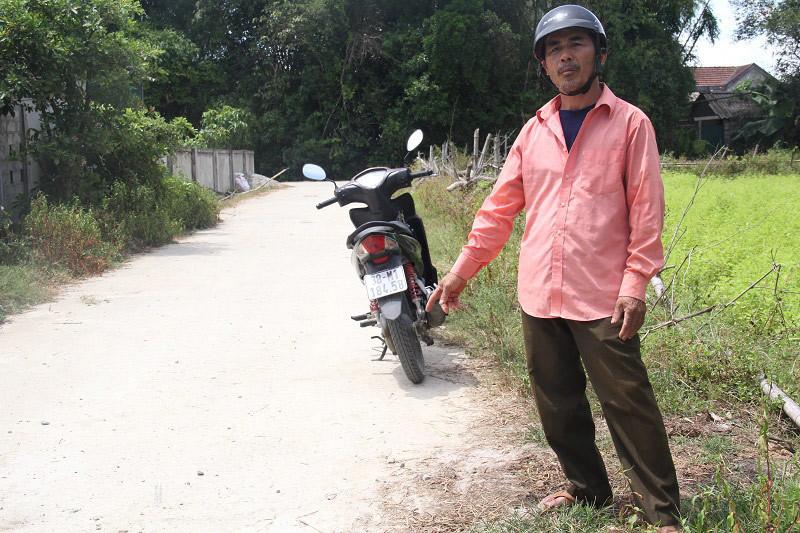 Cựu binh già hiến đất, tự bỏ hàng trăm triệu làm đường làng