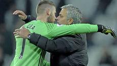 Mourinho hé lộ tương lai De Gea, Messi thèm đá cặp cùng Dybala