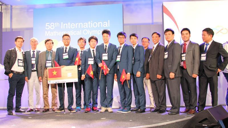 Bộ trưởng Phùng Xuân Nhạ gửi thư khen học sinh Olympic quốc tế