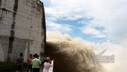 Dự báo thời tiết 24/7: Nước sông Hồng đang dâng