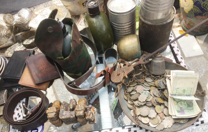 phiên chợ ve chai, đồ cổ,Đông Nam Á, Sài Gòn