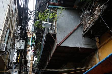 Muôn kiểu 'chuồng cọp' không lối thoát hiểm ở Thủ đô