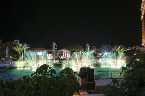 Sơn Tùng M-TP 'xông đất' đài nhạc nước Hồ Tràm