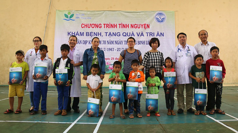 1.000 trẻ vùng cao Quảng Trị được khám, cấp thuốc miễn phí