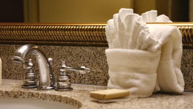 Những món đồ trong khách sạn tưởng sạch nhưng lại bẩn đến không ngờ