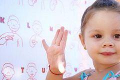 Bệnh khiếm thính ở trẻ em diễn biến thế nào?
