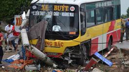 Xe buýt đâm chết người rồi chạy khỏi hiện trường