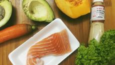 Giảm cân làm đẹp với món salad cá hồi
