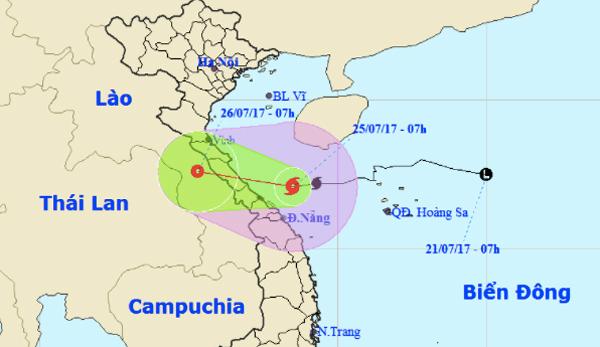 Bão số 4 tăng tốc, chiều nay đổ bộ Hà Tĩnh - Quảng Trị