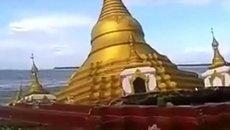 Lũ 'nuốt chửng' một ngôi chùa bằng vàng ở Myanmar
