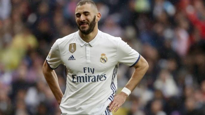 Lukaku bị Mourinho 'thôi miên', Real bán tháo Benzema