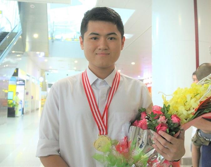 Lớp có 2 học sinh giành huy chương quốc tế