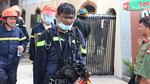 Tiếng khóc vỡ òa của cậu bé 6 tuổi mắc kẹt trong tòa nhà bốc cháy