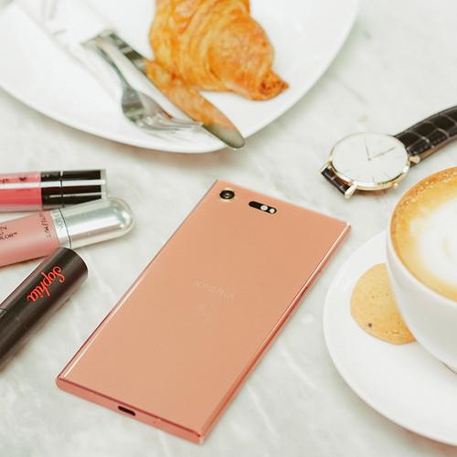 Vẻ đẹp sang chảnh của Xperia XZ Premium hồng quý phái
