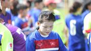 Tuyển nữ VN bôi kem chống nắng trắng mặt luyện vàng SEA Games