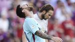MU 0-0 Barca: Messi sút dội cột, Cillessen cứu thua (H1)
