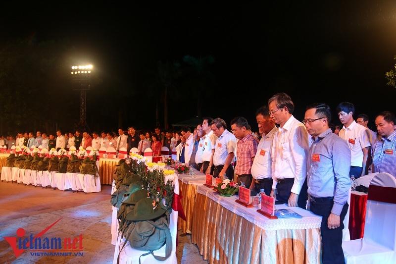 Đôi bờ Thạch Hãn ngập tràn hoa đăng tưởng niệm các anh hùng liệt sĩ