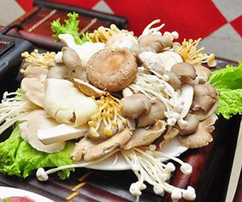 Nấm Việt Nam nhưng chữ Trung Quốc: Chủ hàng cũng chẳng biết nguồn gốc?