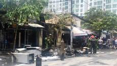 Cháy cửa hàng điện lạnh ở Sài Gòn, hàng chục người tháo chạy