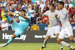 MU gục ngã: Mourinho vá ngay lỗ rò dưới hàng thủ