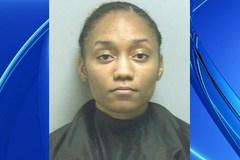 Bé trai 1 tuổi tử vong vì bị mẹ nhốt trong xe để đi làm tóc