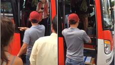 Hành động của phụ xe làm xấu hình ảnh du lịch Việt