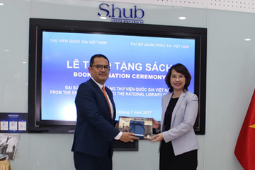 Đại sứ quán Peru trao tặng gần 20 cuốn sách cho Thư viện Quốc gia